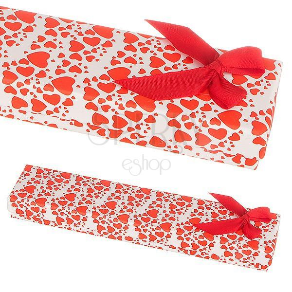 Ajándékdoboz karkötőnek - sok piros szívecske és egy masni