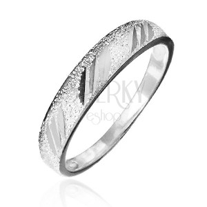 Gyűrű 925 ezüstből - szemcsés minta fényes bevágásokkal