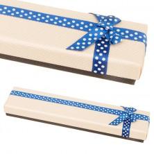 Bézs-barna dobozka karkötőnek kék szalaggal