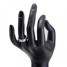 Gyűrű 925 ezüstből - gravírozott fekete nyúlványok