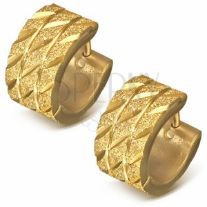 Karika fülbevaló acélból - szemcsés arany színű felület átlós bemarásokkal