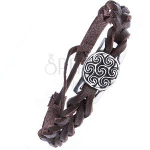 Barna, fonott karkötő bőrből - acél tábla, kelta nap motívum