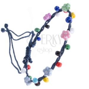 Madzagos karkötő - sötétkék, színes gyöngyökkel és virágokkal