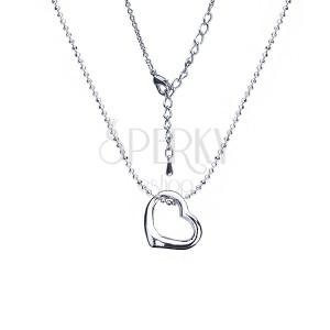 Fényes, ezüst színű nyakék, szív alakú medál