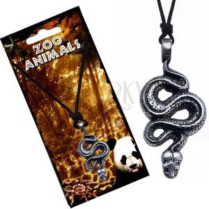 Madzagos nyaklánc medállal, tekeredő kígyó