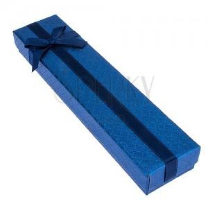 Kék ajándékdoboz karkötőnek négyzet mintákkal, masnival