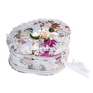 Fehér ékszerdoboz, háromlevelű lóherével - virágokkal, csipkével és bojtokkal