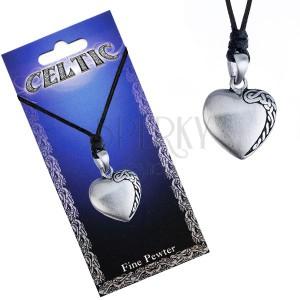 Fekete madzagos nyaklánc, szív alakú fém medál, kelta csomó