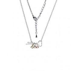 Fényes nyaklánc kulccsal és színes gyűrűkkel, cirkóniával