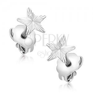 Arany fülbevaló - fehér csillag gravírozott sugarakkal
