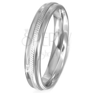 Gyűrű sebészeti acélból díszített középső sávval