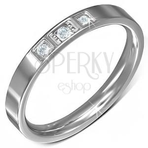 Ezüst színű gyűrű acélból, három átlátszó cirkónia