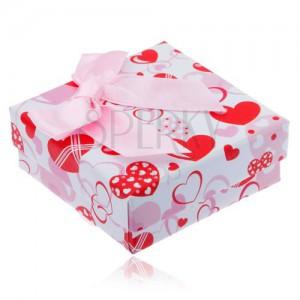 Ajándékdoboz fülbevalóra - piros, fehér és rózsaszín szivek, masni