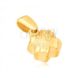 Medál 14K sárga aranyból - 3D négy levél, szatén felület, vésett szegélyek