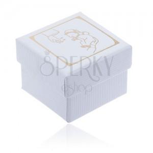 Fehér ajándékdoboz recés felszínnel, arany színű keresztelési motívum