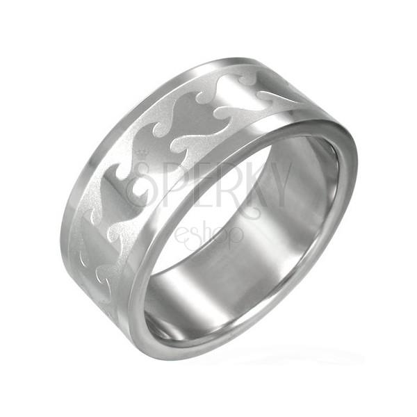 Gyűrű sebészeti acélból - fényes láng mintázat a matt sávban