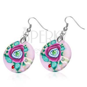 Kerek rózsaszín fülbevaló FIMO anyagból, szines virágok és cirkóniák