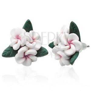 Fehér virágos fülbevaló FIMO anyagból
