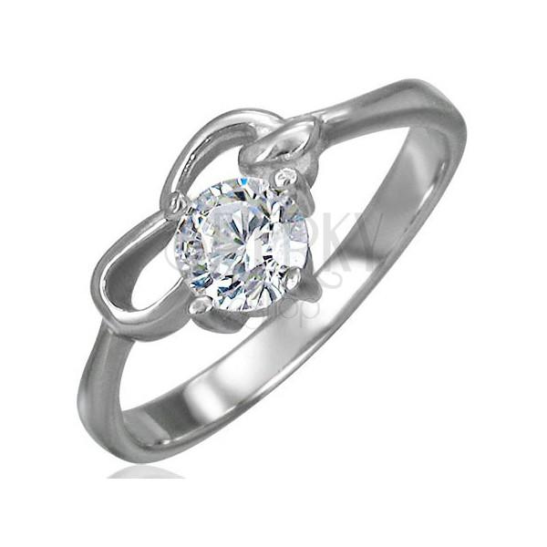 Eljegyzési gyűrű - egy kerek cirkónia és két rés