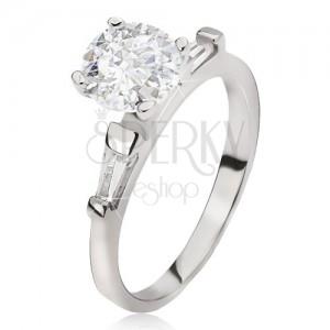 Ezüst gyűrű - nagy átlátszó kerek cirkónia, trapéz kövek