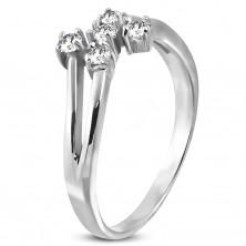 Acél gyűrű ezüst színben öt átlátszó cirkóniával