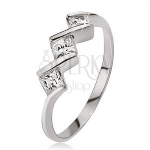 Ezüst gyűrű, három négyzetes kő