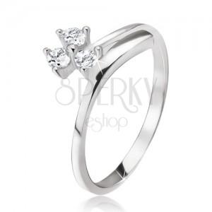 Ezüst gyűrű 925, három kerek cirkónia, ívelt szár