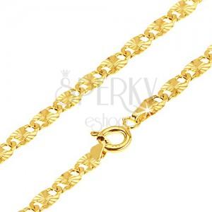 Nyaklánc 14K sárga aranyból - lapos hosszúkás részek, sugaras bemetszések, 555 mm
