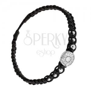 Fekete karkötő zsinórból, görög kulcsos érem, golyók