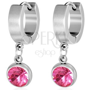 Kerek acél fülbevaló, csiszolt rózsaszín kő a foglalatban