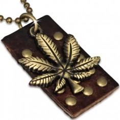 Arany színű katonai lánc szegecselt bőr táblával, levél