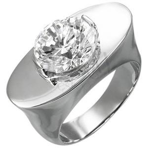 Hatalmas acél gyűrű - ovális felület, tiszta cirkónia kő