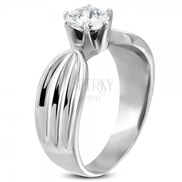 316L acél női gyűrű átlátszó cirkóniával, két oldalán bevágásokkal
