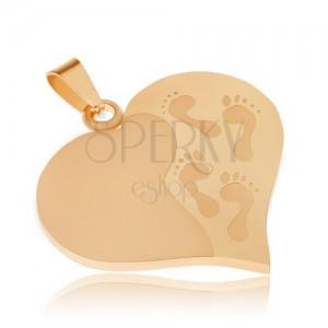 Arany színű acél medál, szabályos szív, gravírozott láblenyomatok