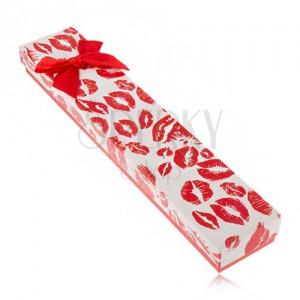 Ajándékdoboz karkötőre, ajak lenyomatok, piros masni