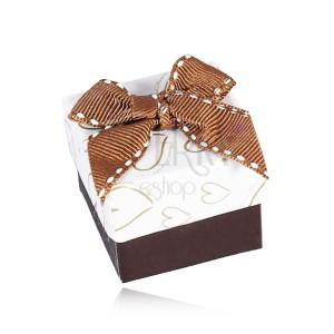 Barna-fehér doboz ékszerre, szív körvonalak, varrott masni