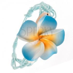 Sápadtkék fonott karkötő, hullámminta, kék virág, kagylók