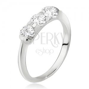 Gyűrű 925 ezüstből, szélesebb sáv beültetett, három kővel