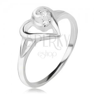 Szívecskés gyűrű, aszimetrikus szív körvonal, átlátszó kövek, 925 ezüst