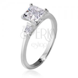 Gyűrű 925 ezüstből, négyzetes kő, két háromszög alakú cirkónia