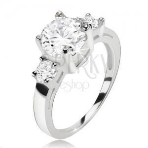 Gyűrű 925 ezüstből, kerek átlátszó cirkónia és két kisebb kő