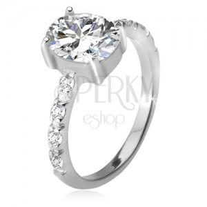 925 ezüst gyűrű, cirkóniás szárak, ovális átlátszó kő