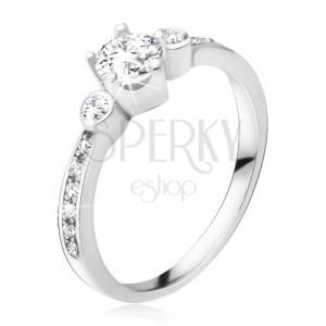 Gyűrű 925 ezüstből, három, kerek cirkónia, kövek a szárakon