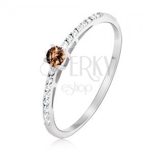 Gyűrű 14K fehér aranyból - fényes, sima barna kő, apró cirkóniák
