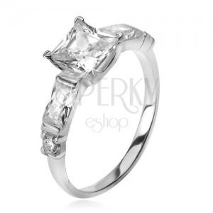 925 ezüst gyűrű, négyzetes cirkónia, négy, kisebb kő a szárakon