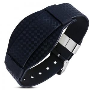 Fekete gumi karkötő, kockás minta, óra stílus