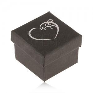 Fekete dobozka gyűrűre, kis díszített szív ezüst színben