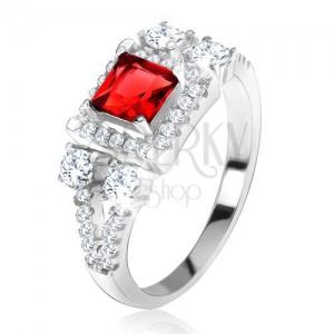 """Gyűrű 925 ezüstből, piros, négyzetes kő, cirkóniás """"V"""""""