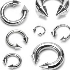 Piercing sebészeti acélból, patkó tüskékkel