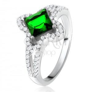 Gyűrű 925 ezüstből, ferdén megfogott zöld négyzetes cirkónia